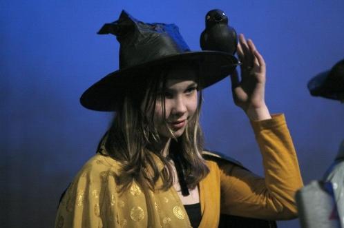 Leerling-heks uit voorstelling De Heksenketel